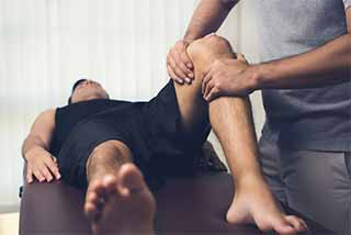 Knee Pain Manchester CT Clinic